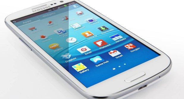 Galaxy S III Berhasil Singkirkan iPhone 5