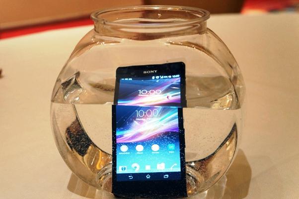 Harga dan Spesifikasi Sony Experie Z SmartPhone Anti Air