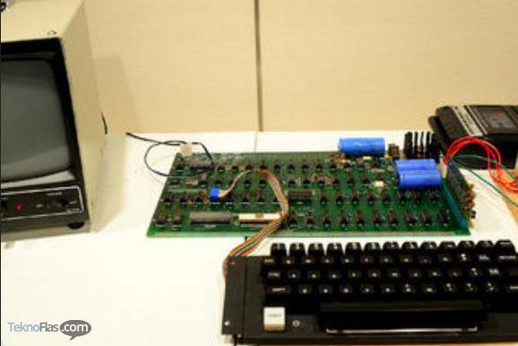 Komputer Pertama Apple