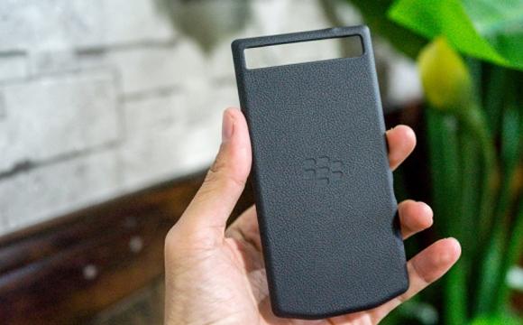 Smartphone BlackBerry 10 Segera Hadir dengan Desain Porsche?