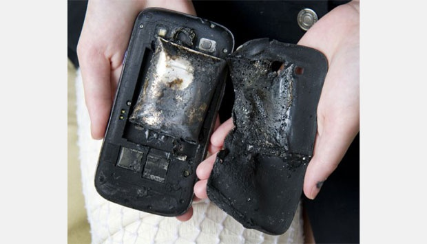 Inilah Penyebab Ponsel Bisa Meledak