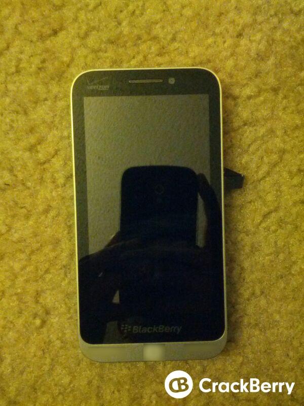 BlackBerry Kembangkan Smartphone C-series