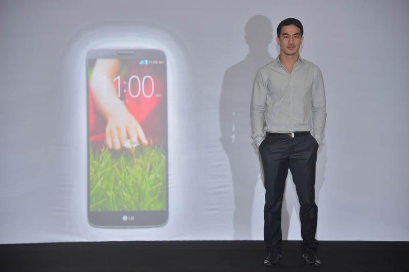 LG G2 Resmi dirulis di Indonesia Harga Rp. 6.799.000