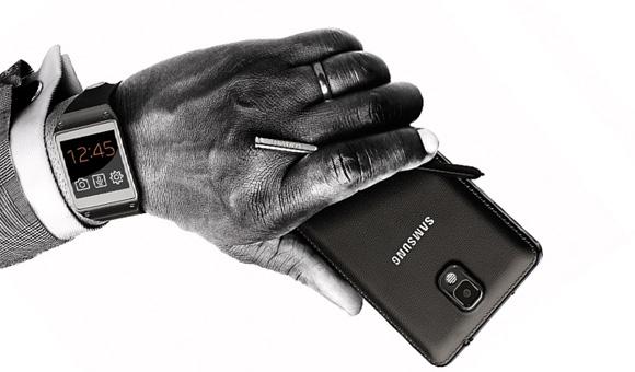 Samsung Galaxy Gear Terhubung Dengan Galaxy S4