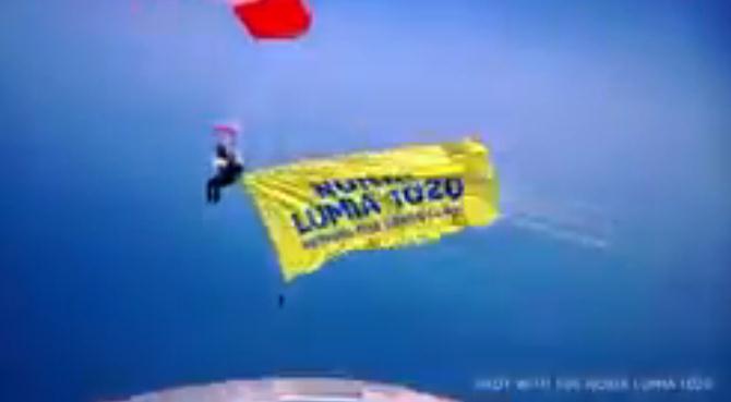 Inilah Video Pendaratan Nokia Lumia 1020 di Dubai