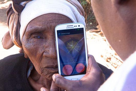 samsung galaxy S5 hadirkan fitur eye scanning