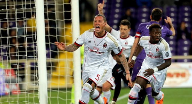 Kalahkan Fiorentina 2-0, AC Milan Curi 3 Poin
