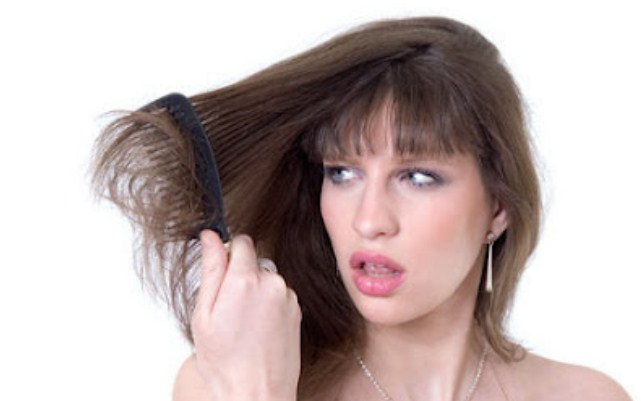 Ciri-ciri Rambut Rusak dan Cara Merawatnya