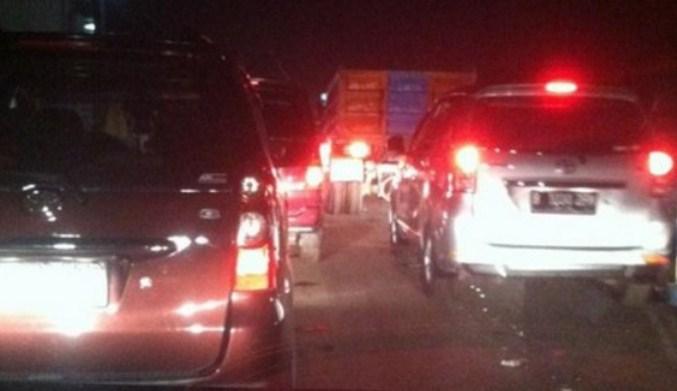 Jalur Puncak Macet Parah, Terpaksa Dialihkan ke Sukabumi