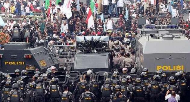 Aksi Kasar Jelang Sidang Putusan MK, Adakah Penyusup di Tengah Massa Prabowo?