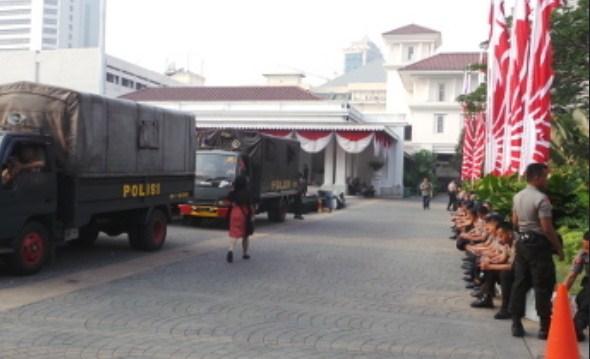 Jelang Sidang Putusan MK Keamanan Kantor Jokowi Diperketat