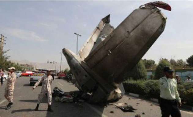 Pesawat Jatuh di Teheran Tewaskan 48 Orang