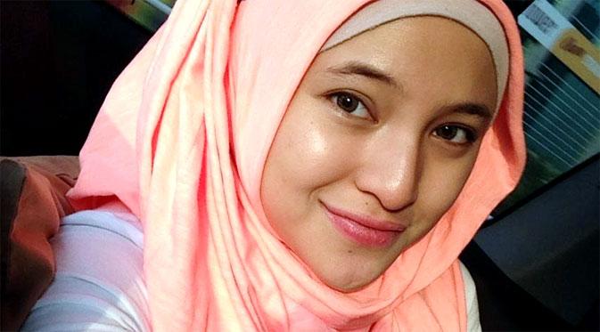 Setelah Lepas Jilbab, Kini Marshanda Dipaksa Masuk Rumah Sakit