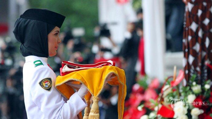 Yonanda Zulfa Si Cantik Paskibraka Di Istana Merdeka