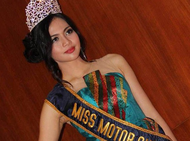 Febrizky Yahya, SPG Cantik Yang Jadi Miss IIMS 2014