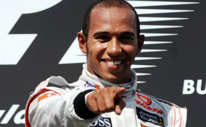 Hamilton Juara GP Formula 1 Singapura
