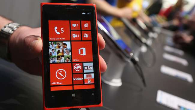 Nokia berubah menajdi Microsoft Lumia