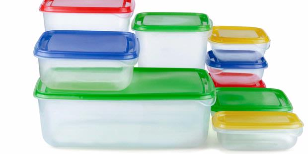 Tips Menyimpan Wadah Makanan Plastik