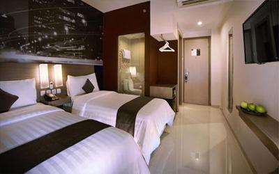 Hotel Neo Candi