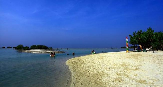 Pantai Pasir Putih Akan Hadir Di Jakarta