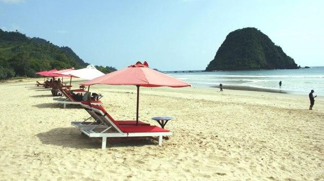 pantai terindah di jawa timur