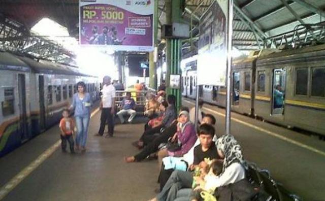 tiket kereta api tambahan lebaran 2015
