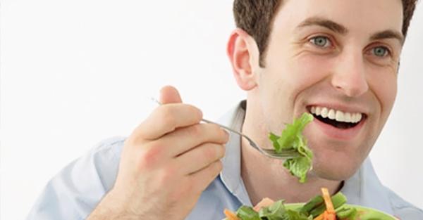 Pria Konsumsi Makanan Sehat