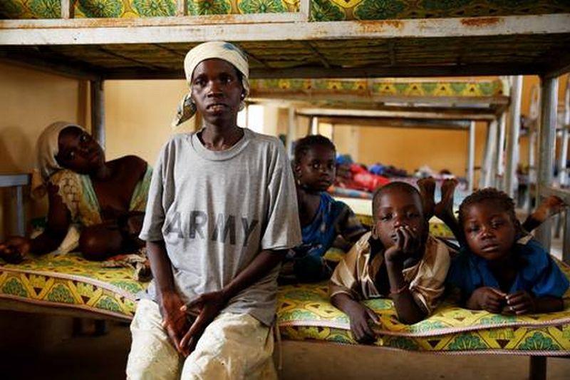 Perempuan dan anak-anak yang diselamatkan dari Boko Haram. (Foto : Reuters)