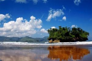 Pantai-Pelang-Trenggalek