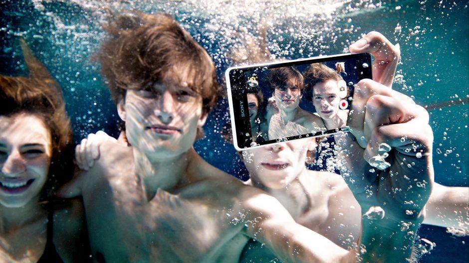 Sony dalam air