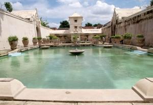 Wisata-Romantis-Taman-Sari-Yogyakarta