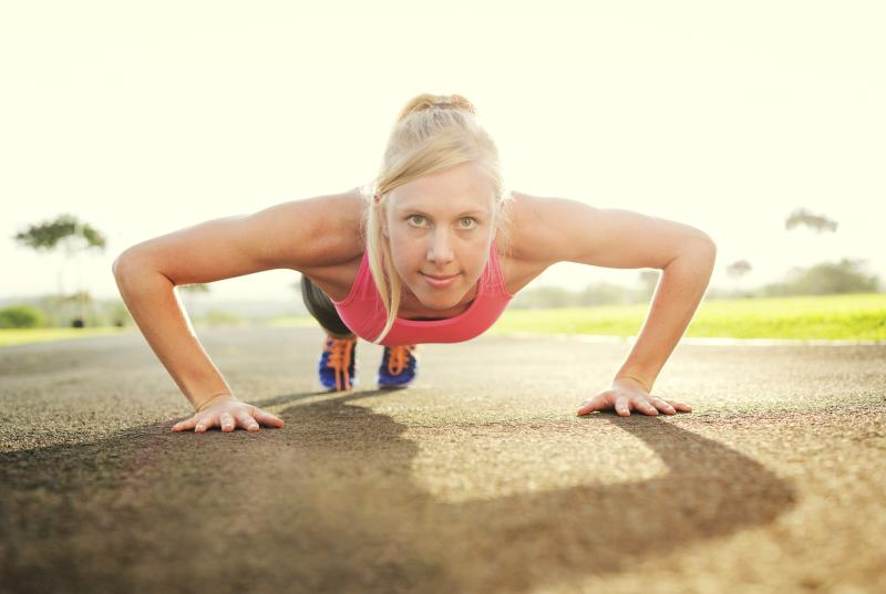 push-up, olahraga memperbesar payudara [doc/demandstudios.com]