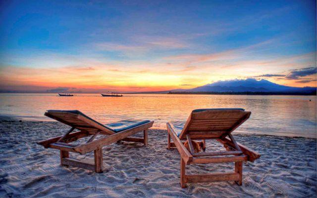 Gili-Air-Sunrise-wisata-lombok