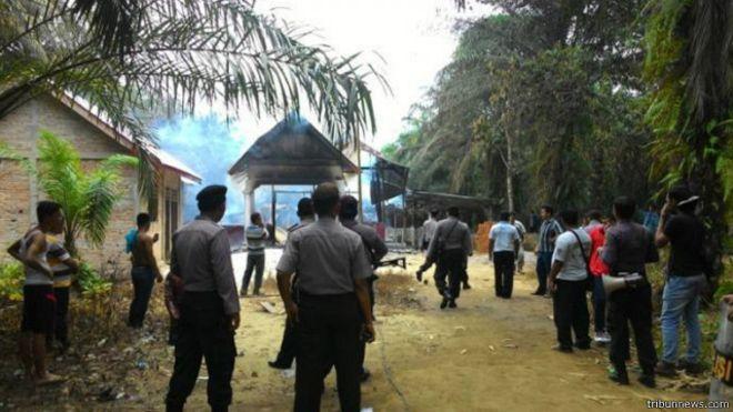[foto ilustrasi] begini kronologi pembakaran gereja aceh singkil