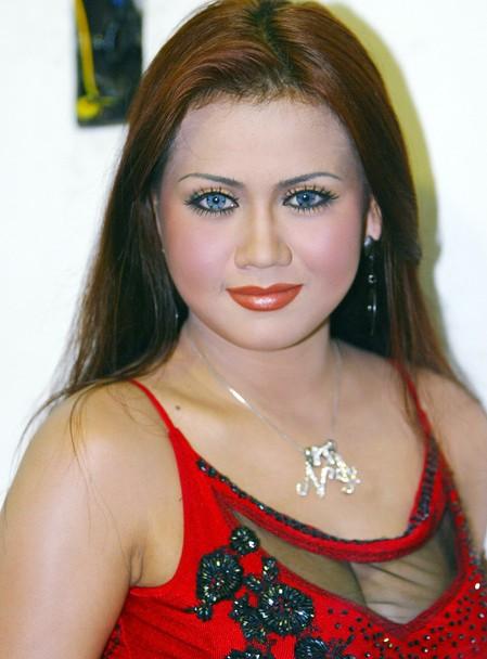 foto nita thalia makeup panggung