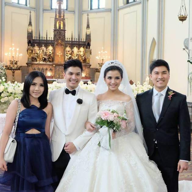 foto pernikahan chelsea dan glenn bersama kerabat