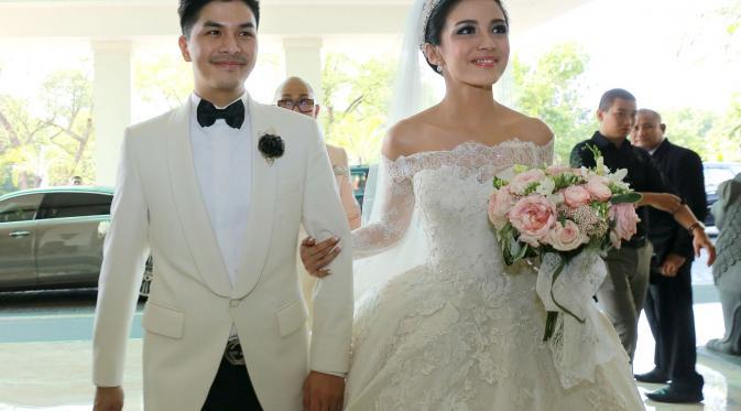 foto pernikahan chelsea dan glenn pengantin baru