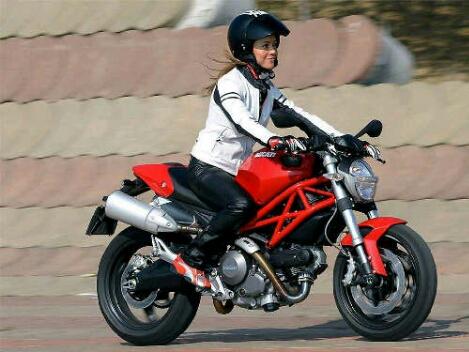Cara Benar Mengerem Sepeda Motor
