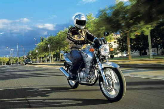 cara rem mendadak sepeda motor