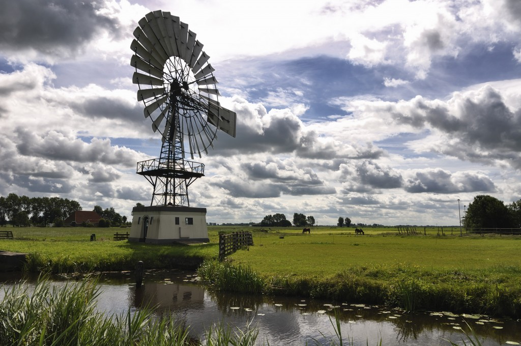 Windmotor_in_Weidum_(Friesland)