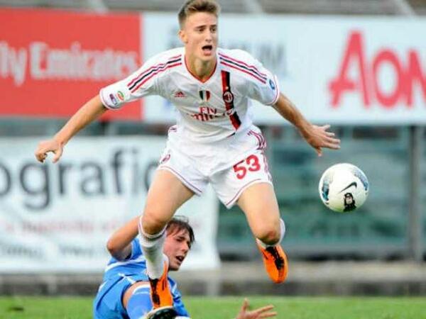 Ely dilego agar Sensi gabung AC Milan