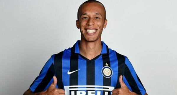Ini cara Inter Milan rebut Miranda dari Atletico Madrid