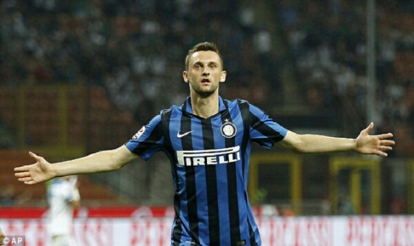 Brozovic siap ditebus Arsenal dari Inter Milan