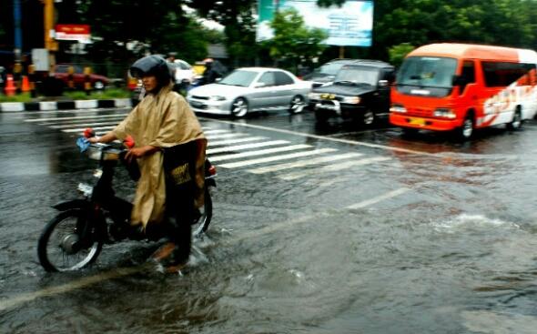 Tips Atasi Motor Mogok Akibat Banjir