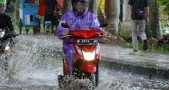 Cara Perbaiki Motor Matik Mogok Kena Banjir