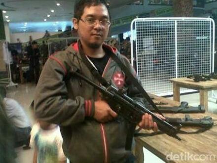 Foto Bahrun Naim, Dalang Bom Sarinah