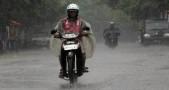 Perhatikan Ban Sepeda Motor Saat Musim Hujan